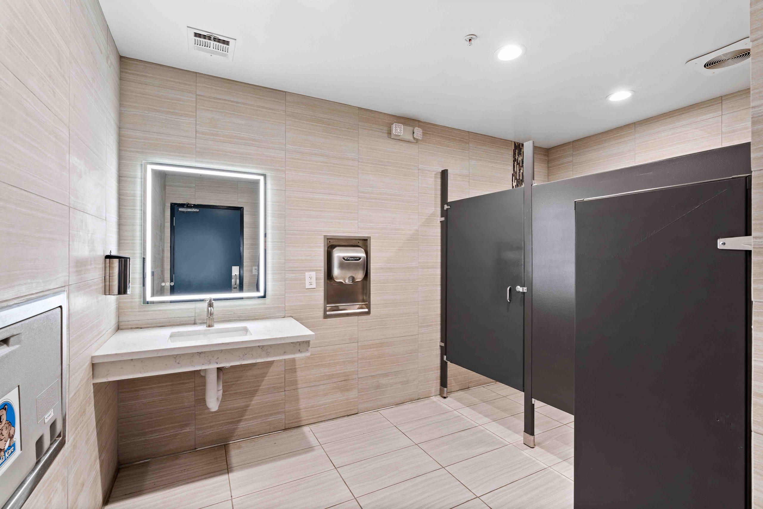 Clean Modern Bathrooms 2